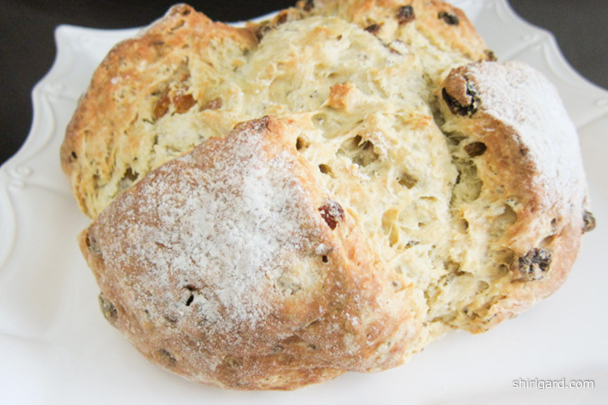 Seedy Bread with Golden Raisins