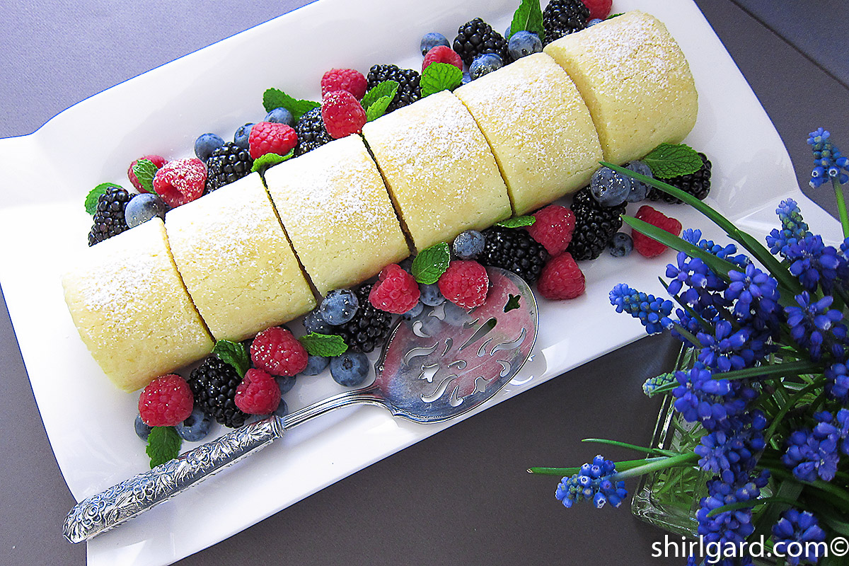 Lemon Chiffon Roulade with Fresh Berries: A Family Platter
