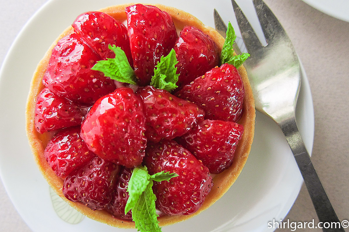 Strawberry Tart with Diplomat Cream